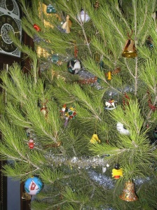 2006 Christmas tree - closeup view 1